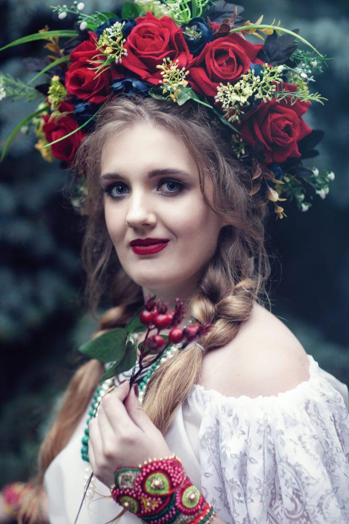 Портрет девушки в венке