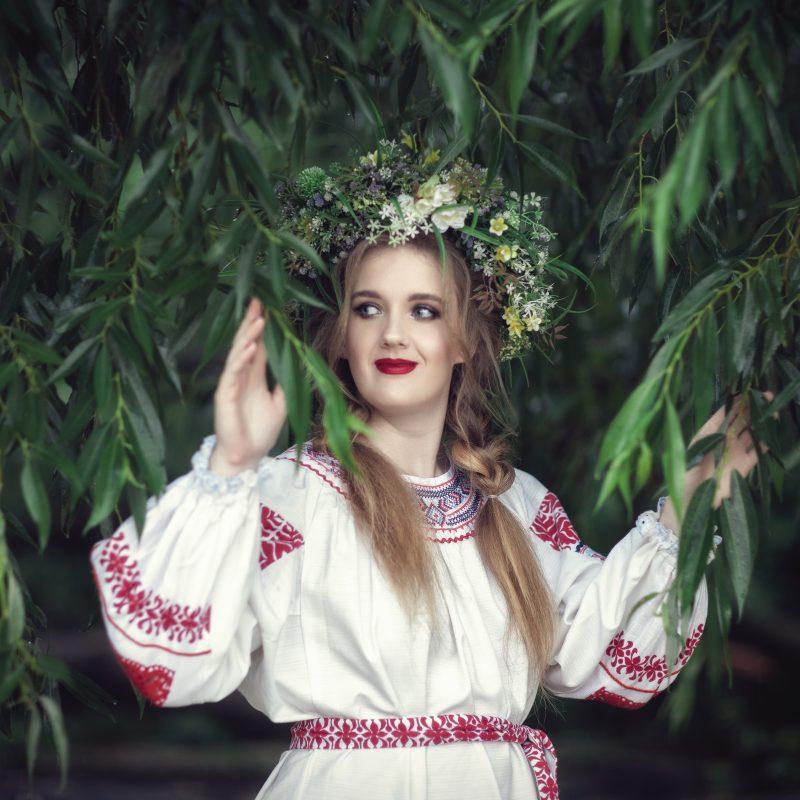 Летняя фотосессия в русском стиле