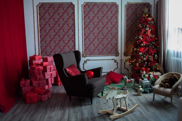 Новогодняя фотостудия. Красная фотозона