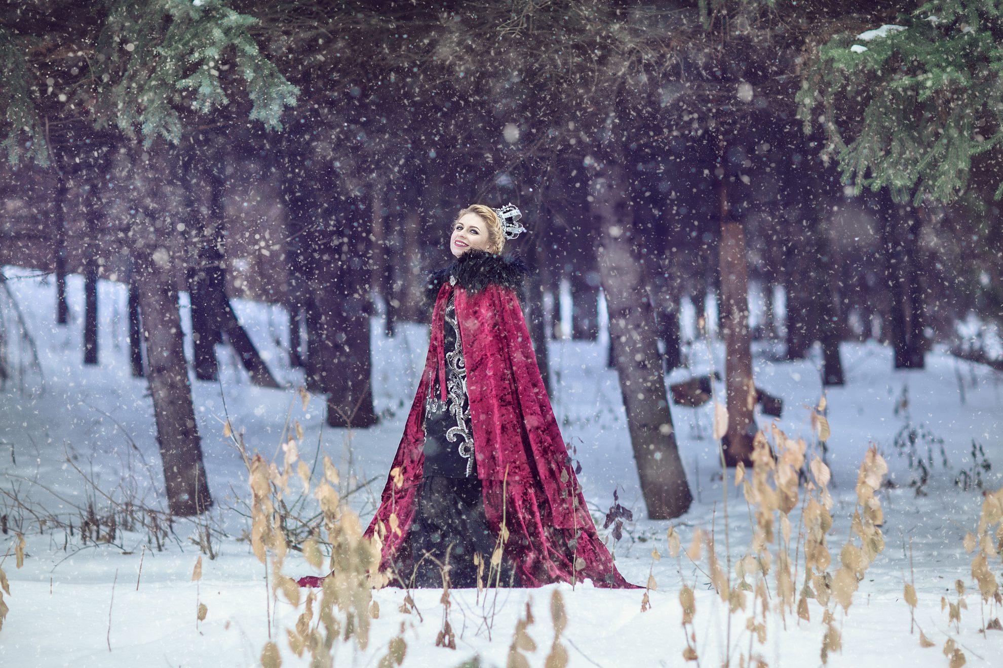 Зимняя фотосессия в лесу